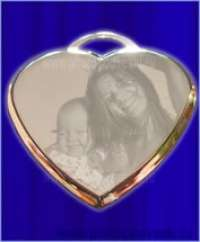 Медальон сердечко 3D с фото гравировкой